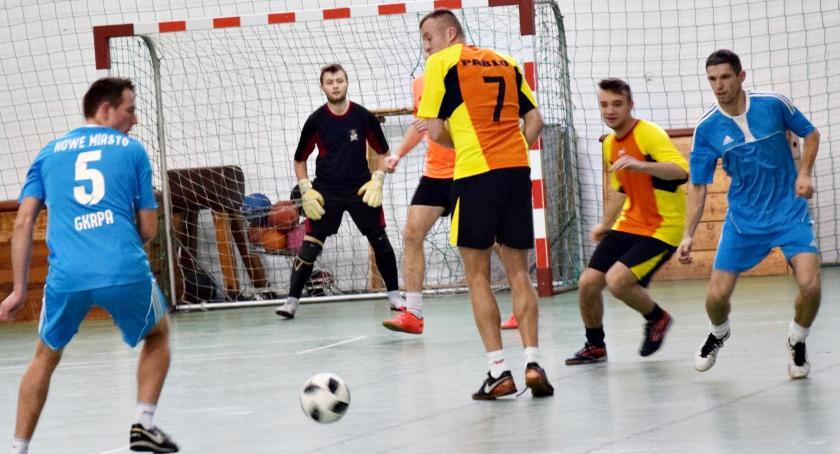 piłka nożna, Finał halowego sezonu Nowym Mieście - zdjęcie, fotografia
