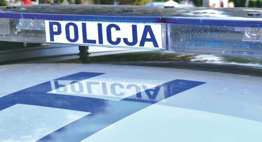 """policja na drodze, Zatrzymali kontroli """"trafili"""" poszukiwanego - zdjęcie, fotografia"""