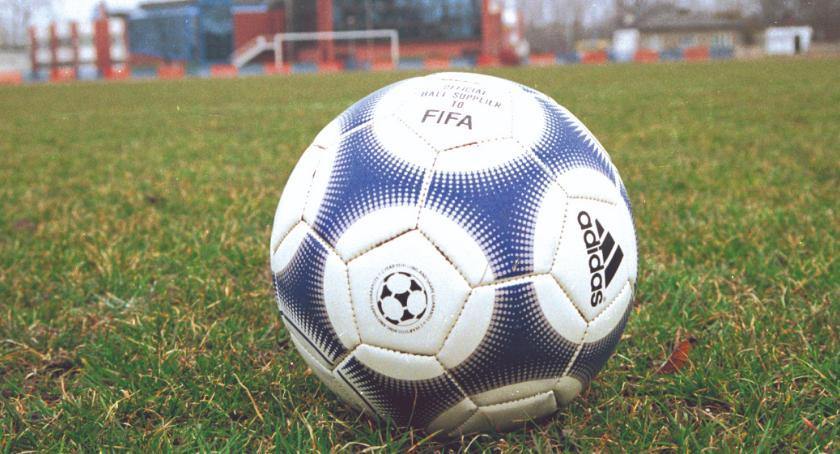 piłka nożna, punktów inaugurację piłkarskiej wiosny - zdjęcie, fotografia