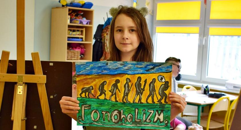 imprezy szkolne, Inicjatywa płońskiej trójki przeżyli dzień smartfona - zdjęcie, fotografia