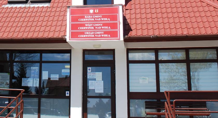 ogłoszenia samorządowe, Wójt informuje wywieszeniu wykazów nieruchomości przeznaczonych sprzedaży dzierżawy - zdjęcie, fotografia