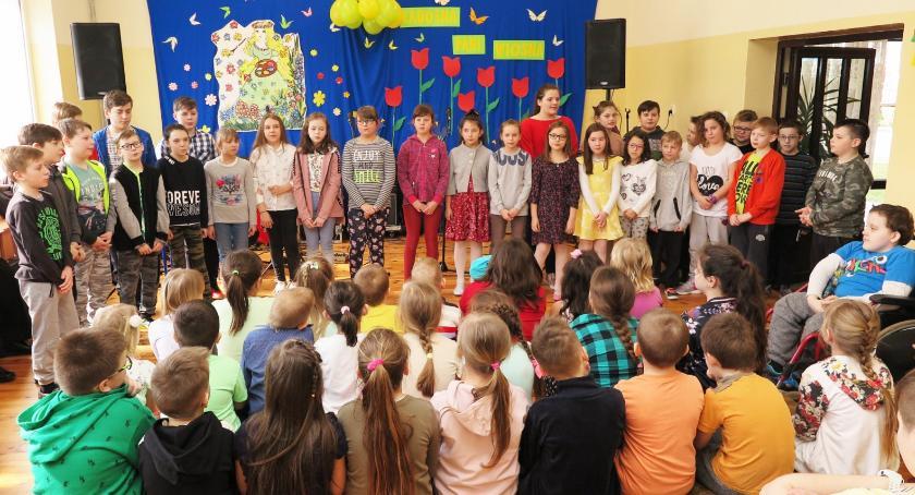 imprezy szkolne, Wiosennie Zaborowie - zdjęcie, fotografia