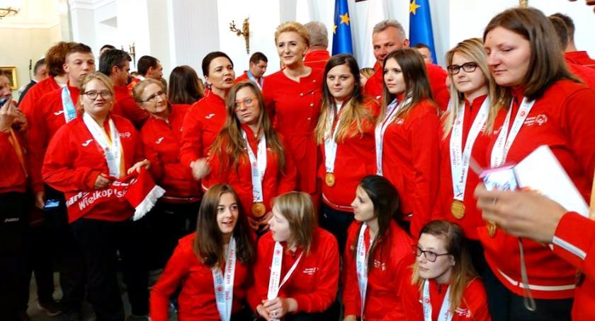 sport niepełnosprawnych, chwały naszych złotek finałem pałacu prezydenckim - zdjęcie, fotografia