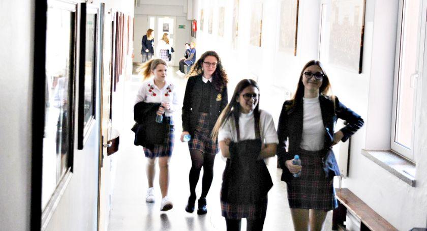 edukacja, egzaminy rozpoczęły zakłóceń - zdjęcie, fotografia