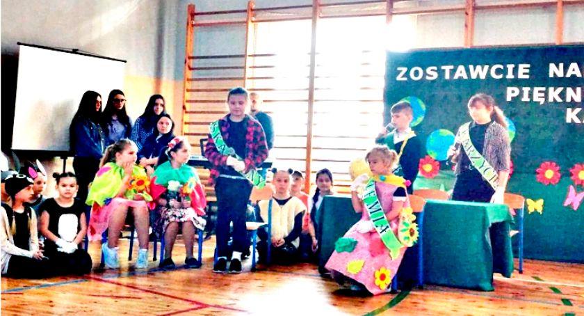imprezy szkolne, Szkoła piękna wiosnę - zdjęcie, fotografia