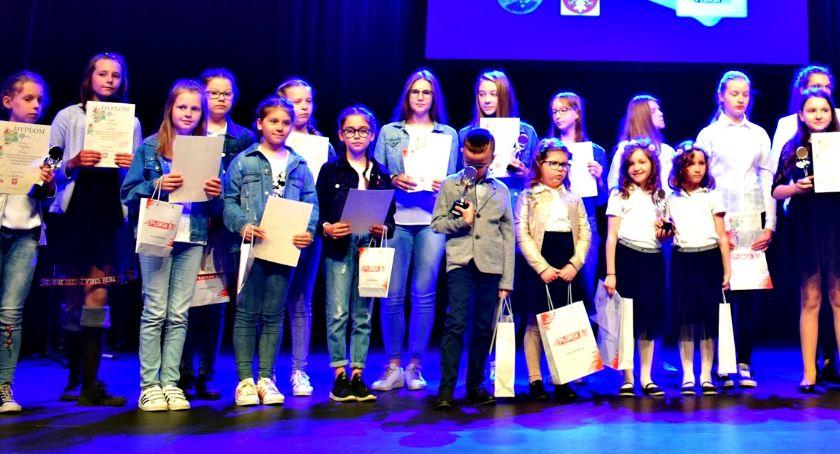 konkursy, Konkursowo pośpiewali obcych językach - zdjęcie, fotografia