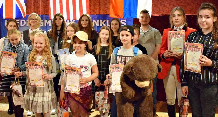 konkursy, Poetycznie śpiewająco angielsku rosyjsku Sochocinie - zdjęcie, fotografia