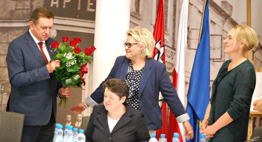 samorząd, Burmistrz wotum zaufania absolutorium - zdjęcie, fotografia