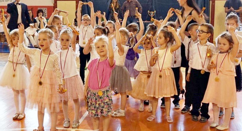 okazjonalne, Taneczny Start tylko przedszkolaków - zdjęcie, fotografia