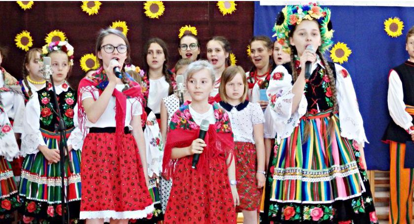 imprezy szkolne, Osiemnastka Reymontem Koziebrodach - zdjęcie, fotografia