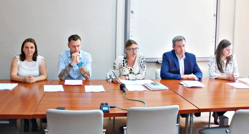 samorząd, Powiatowe przewozy pasażerskie sfinalizowane - zdjęcie, fotografia