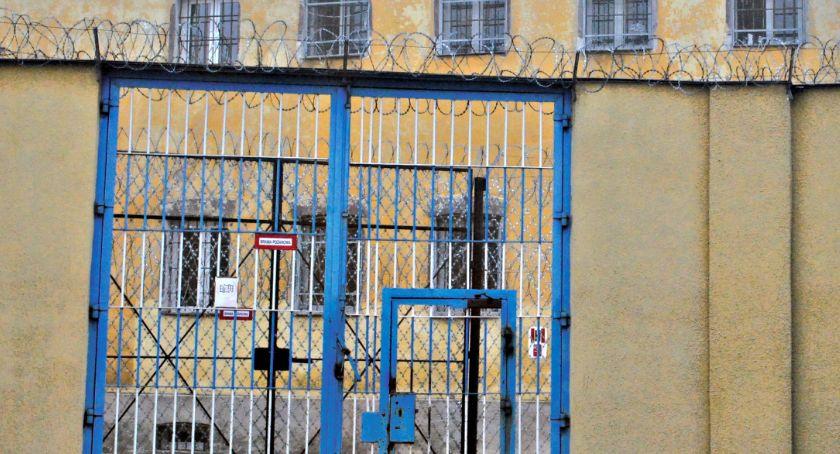 napady/rozboje, Pobił kobiety latek tymczasowo aresztowany - zdjęcie, fotografia