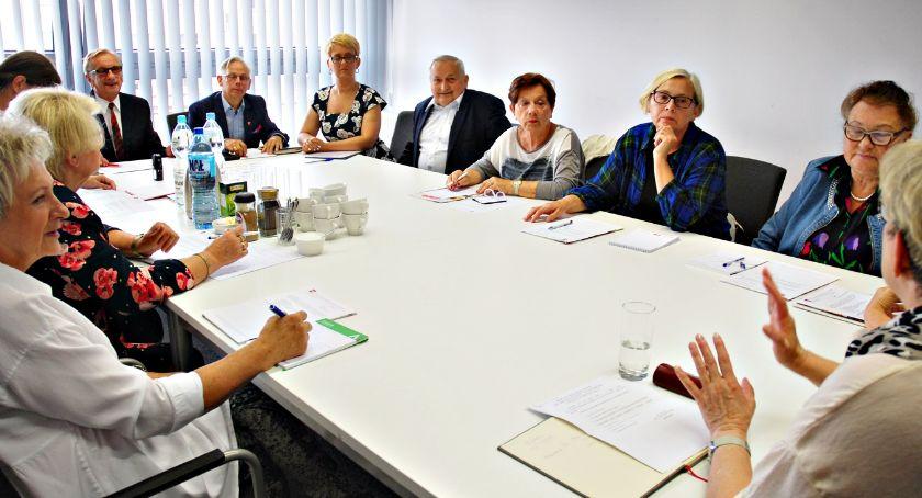 samorząd, Obradowali seniorzy będą trzecie płońskie Senioralia - zdjęcie, fotografia