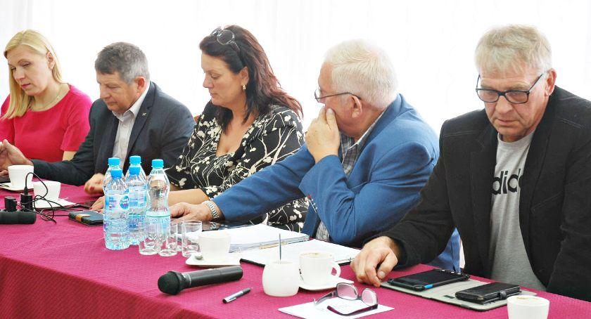 samorząd, Stwierdzili mandat radnego Garczewskiego wygasł - zdjęcie, fotografia