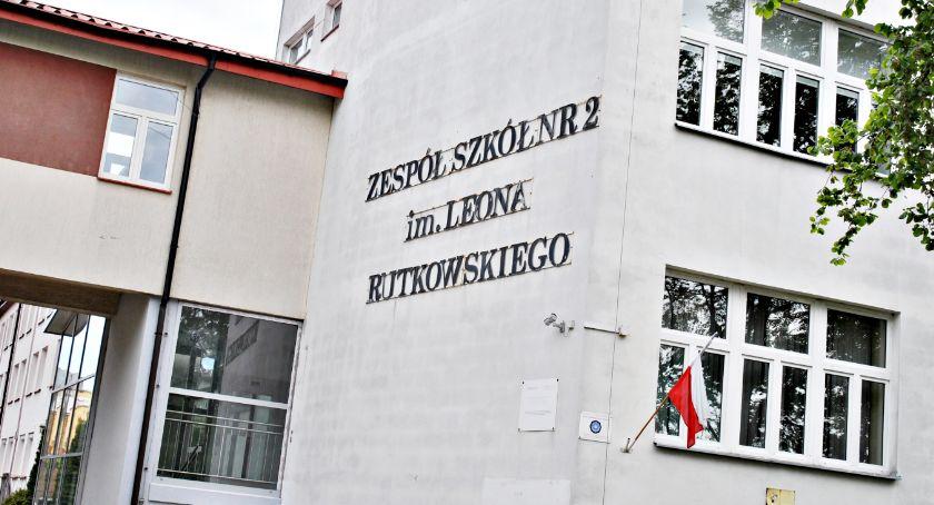 edukacja, Można zostać dyrektorem szkole Rutkach - zdjęcie, fotografia