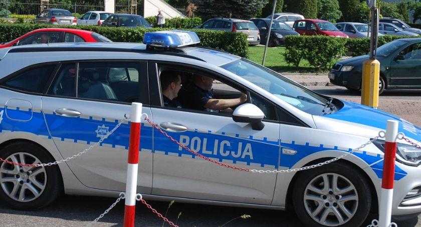 """policja na drodze, Działania """"Sierpniowy weekend"""" zwiększona liczba policjantów - zdjęcie, fotografia"""