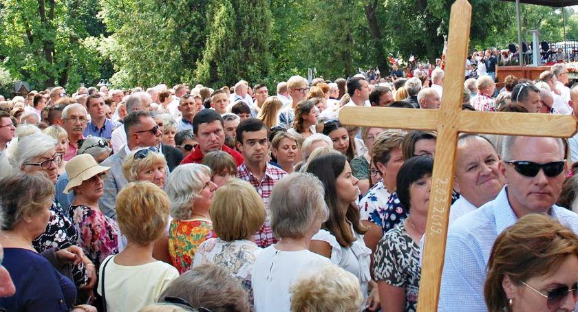 religijnie, Tysiące wiernych koronacji Matki Bożej Smardzewskiej - zdjęcie, fotografia