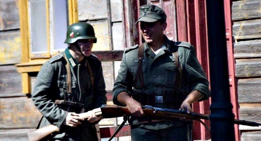 """inicjatywy, Akcja """"Przerwany Marsz"""" rocznicę wybuchu wojny światowej Czerwińsku - zdjęcie, fotografia"""