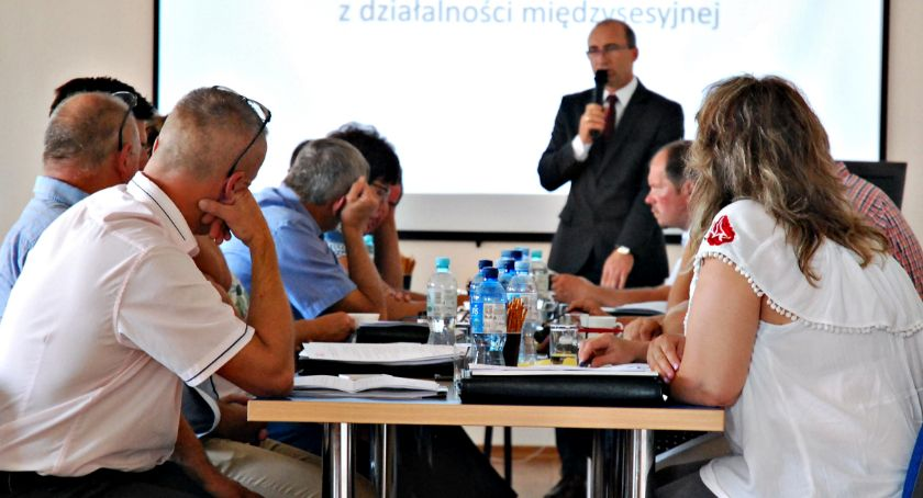 samorząd, drogach dodatkach nauczycieli sesji Dzierzążni - zdjęcie, fotografia