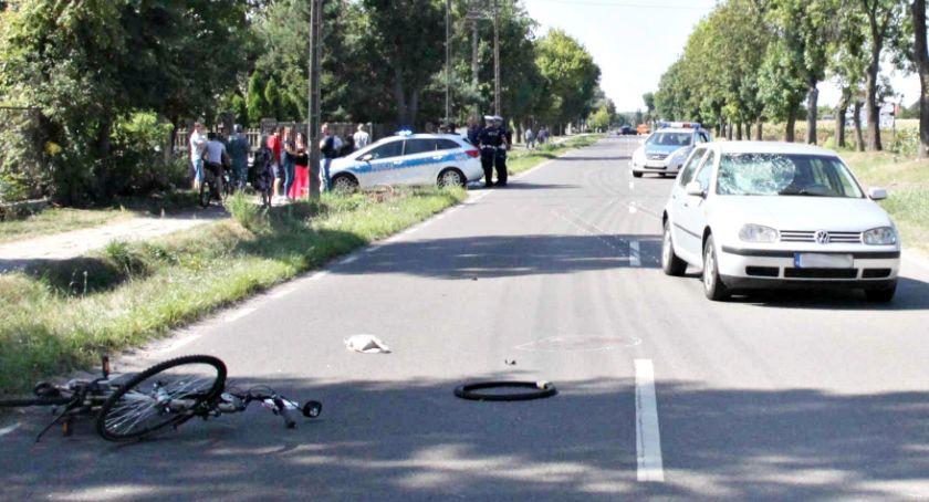 wypadki, Ranna rowerzystka zabrana pogotowiem lotniczym - zdjęcie, fotografia