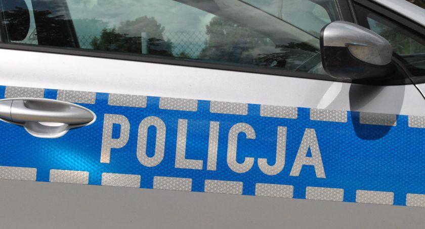 śledcze, Uwaga oszuści próżnują przedstawił policjant - zdjęcie, fotografia