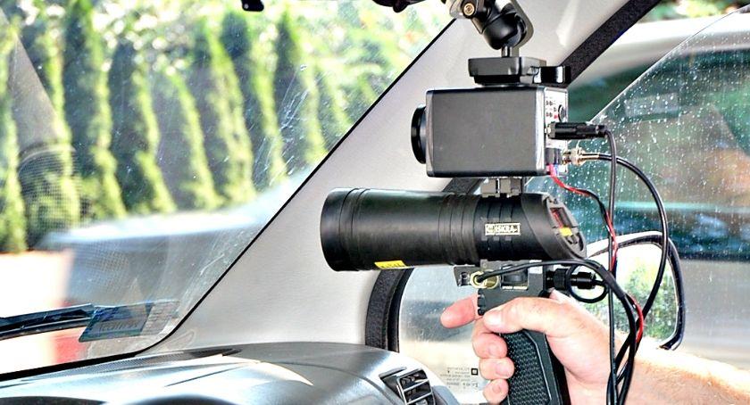 policja na drodze, Uwaga sobotę prędkość kaskadowo - zdjęcie, fotografia