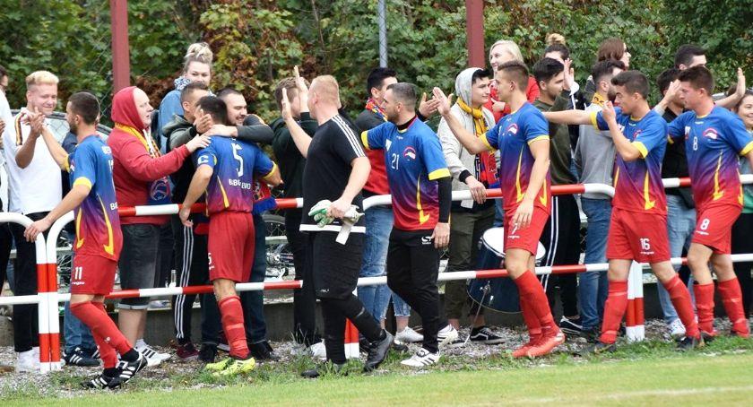 piłka nożna, Orlęta piątej rundzie Pucharu Polski zagrają Przasnysz - zdjęcie, fotografia