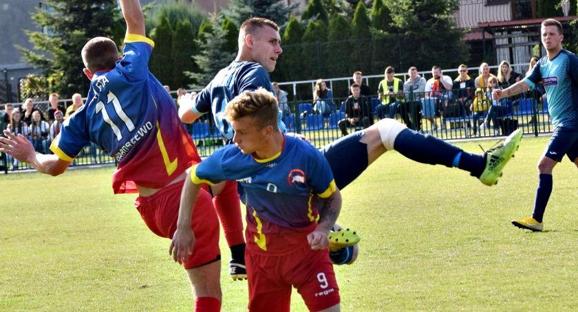 piłka nożna, Orlęta liderem Jutrzenka wiceliderem klasie - zdjęcie, fotografia
