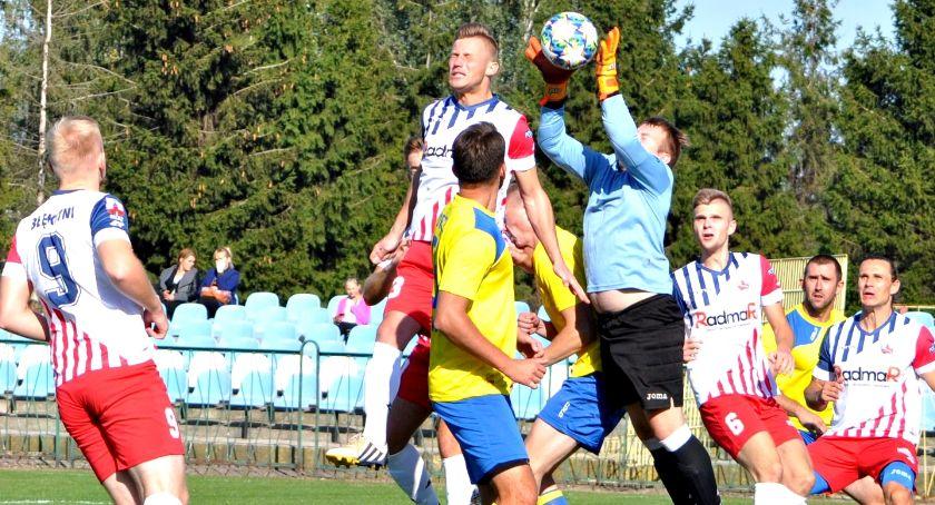 piłka nożna, Szalony piłkarski weekend epilog raportu Błękitnymi Koroną Jutrzenką Guminem Wkrą Soną minus - zdjęcie, fotografia