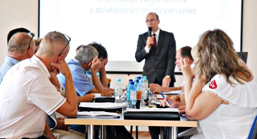 samorząd, Budżet dotacja sprzęt obradowali radni gminy Dzierzążnia - zdjęcie, fotografia