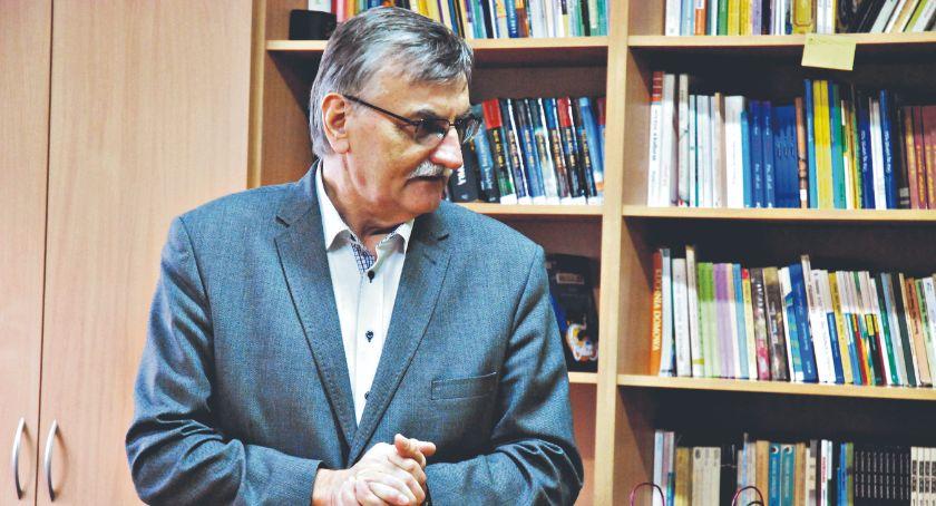 samorząd, Wojewoda stwierdził nieważność odwołania dyrektora Aleksandrowicza - zdjęcie, fotografia