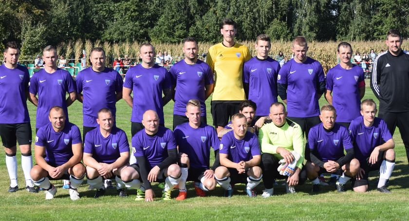 piłka nożna, pierwsze zwycięstwo Gladiatora! zalicza pogrom Długosiodle - zdjęcie, fotografia