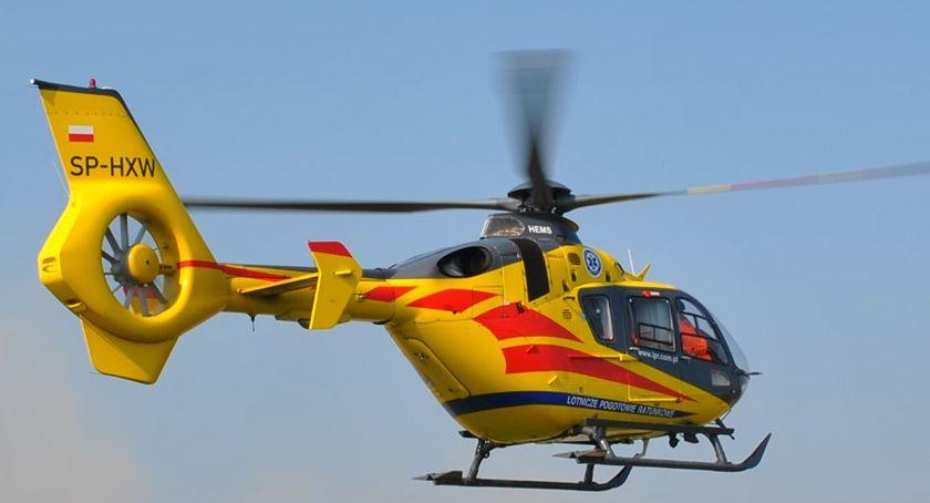 wypadki, Osobówką piwnicę ranny zabrany pogotowiem lotniczym - zdjęcie, fotografia