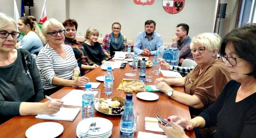 samorząd, Program współpracy analizowali - zdjęcie, fotografia