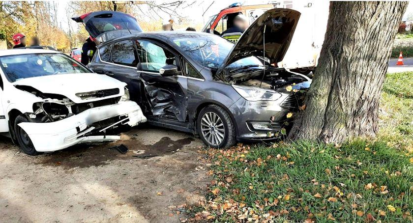 wypadki, wypadki czołówka Strachowie zderzenie skrzyżowaniu Zdunowie - zdjęcie, fotografia