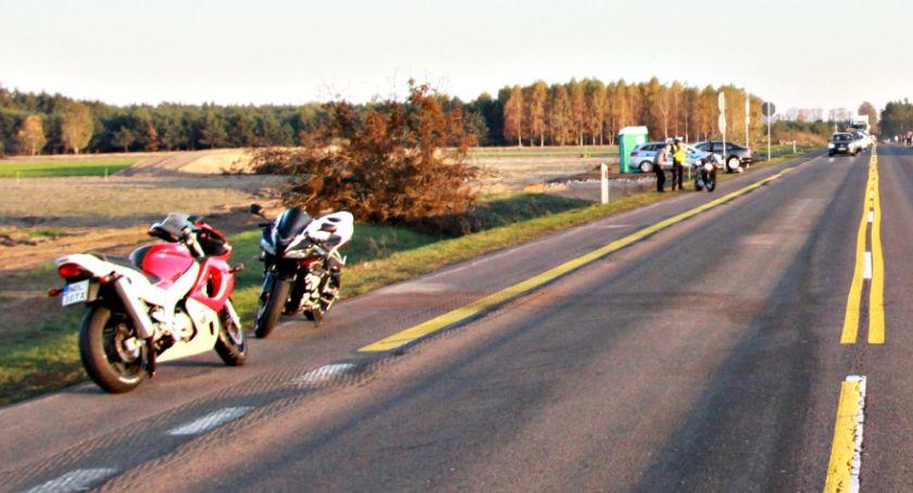 wypadki, Motocykl motocyklem siódemce osoby trafiły szpitala - zdjęcie, fotografia