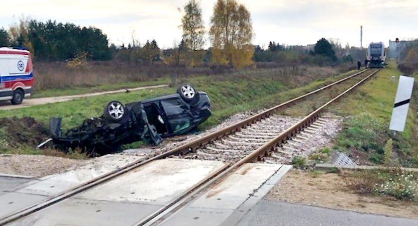 wypadki, Peugeot szynobusem - zdjęcie, fotografia
