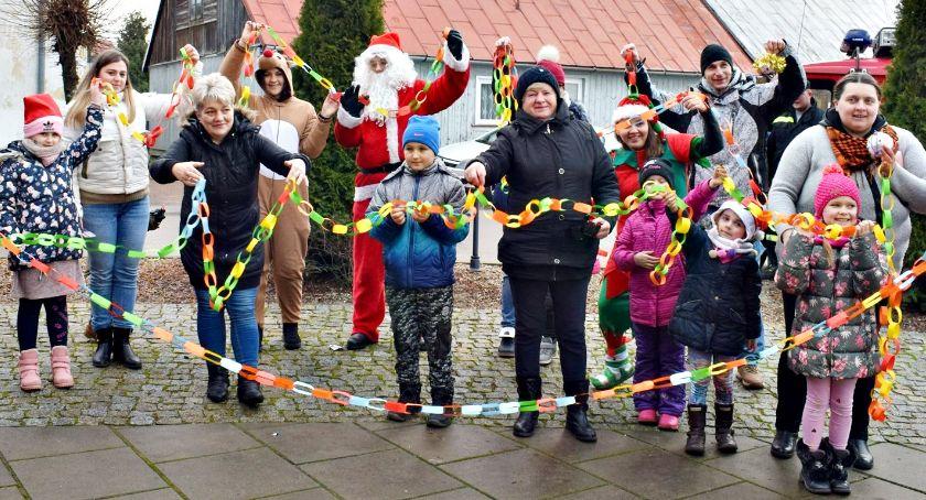 zaproszenia, Świąteczny jarmark Sochocinie wystawcy widziani - zdjęcie, fotografia
