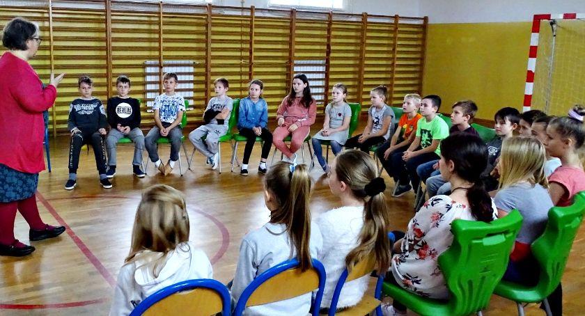 imprezy szkolne, Superniania Mystkowie - zdjęcie, fotografia