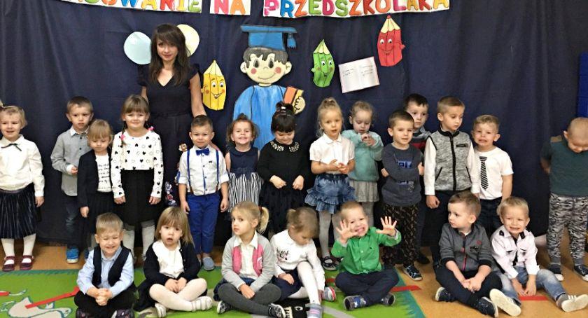 imprezy przedszkolne, Przedszkolaki pasowane Kroczewie - zdjęcie, fotografia