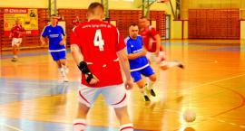 Płońska liga halowej piłki nożnej  - tabela prawie nie drgnęła