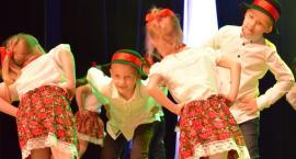 Kino pełne tańca - przedszkolaki na ludowo