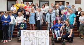 Płońskie poparcie dla protestujących w Sejmie