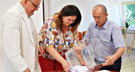 Tajne głosowanie w Naruszewie - przewodniczącego nie odwołano