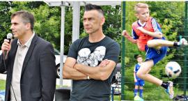 Gwiazda i młodzi piłkarze w Siedlinie