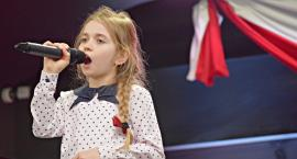 Ziemia Płońska Niepodległej – śpiewa Amelka Marciniak