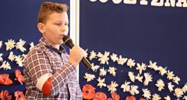 Ziemia Płońska Niepodległej – śpiewa Mateusz Chojnacki