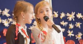 Ziemia Płońska Niepodległej – śpiewają Julia Jagiełło i Natasza Imbir