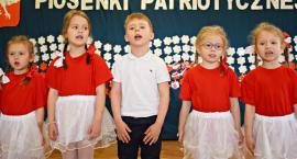 Ziemia Płońska Niepodległej – śpiewają dzieci z Przedszkola nr 4 Płońsk