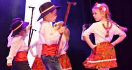 Ziemia Płońska Niepodległej – w tańcach góralskich dzieci z Przedszkola nr 5 w Płońsku